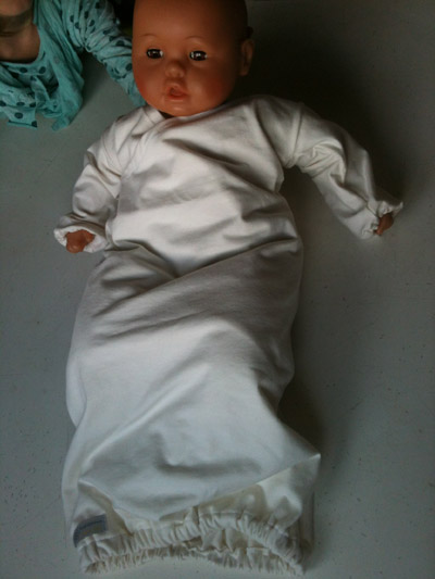 babygownblanc1.jpg